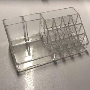 Clear acrylic makeup tray